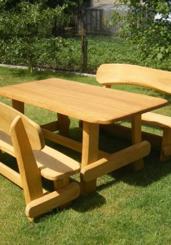 Mediniai lauko stalai ir suolai